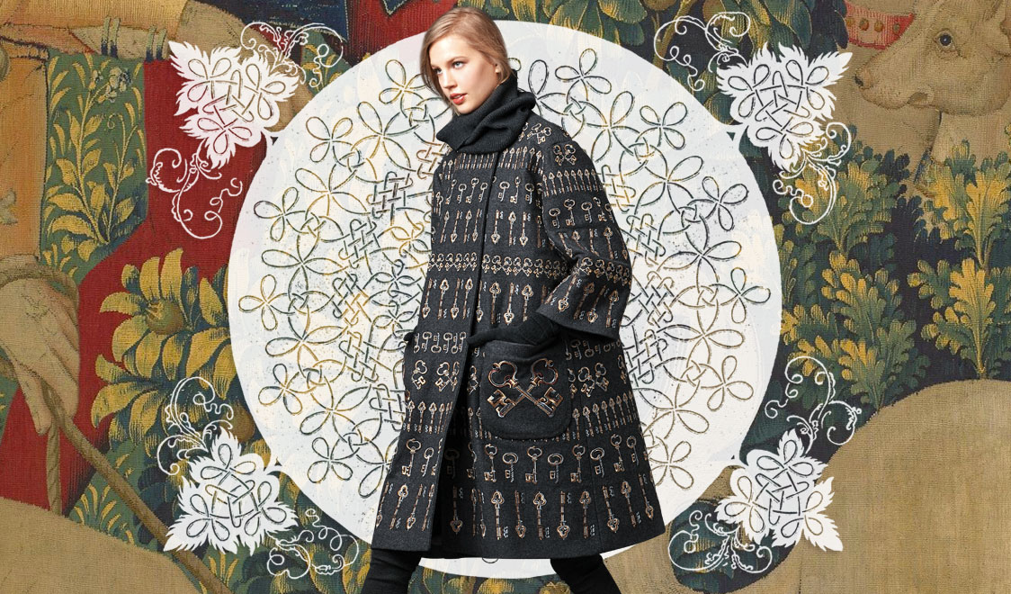 http://boutique.mantovanishop.it/wp-content/uploads/2014/10/look-of-the-day-dolce-and-gabbana-fall-winter-2014-2015-womenswear-collection-key-embroidery-wool-coat-cover.jpg